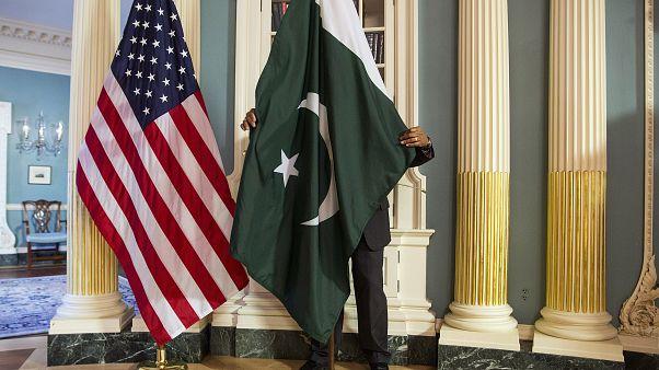 «ترامپ از پاکستان برای کمک به مذاکرات صلح با طالبان کمک خواسته است»