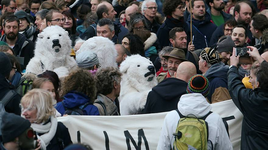 COP24: Tens of thousands of climate change protesters march in Brussels