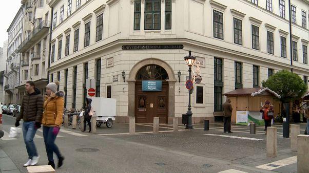 La CEU de Soros deja Budapest por Viena