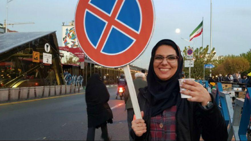 بازگشایی قفل چهار راه ولیعصر تهران به نفع معلولان