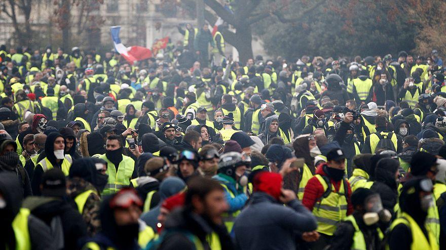 """""""Gilets jaunes"""" : un mouvement social inédit?"""