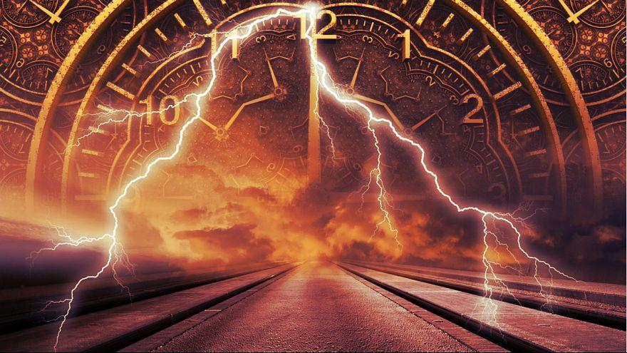 دانشمندان پاسخ میدهند: آیا سفر در زمان امکان پذیر است؟
