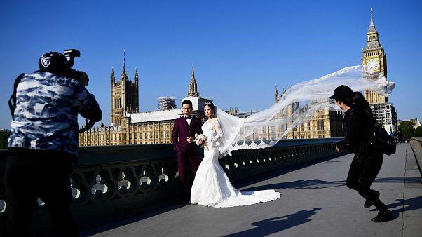 Çin hükümetinden 'pahalı ve gösterişli düğün' yapmayın çağrısı