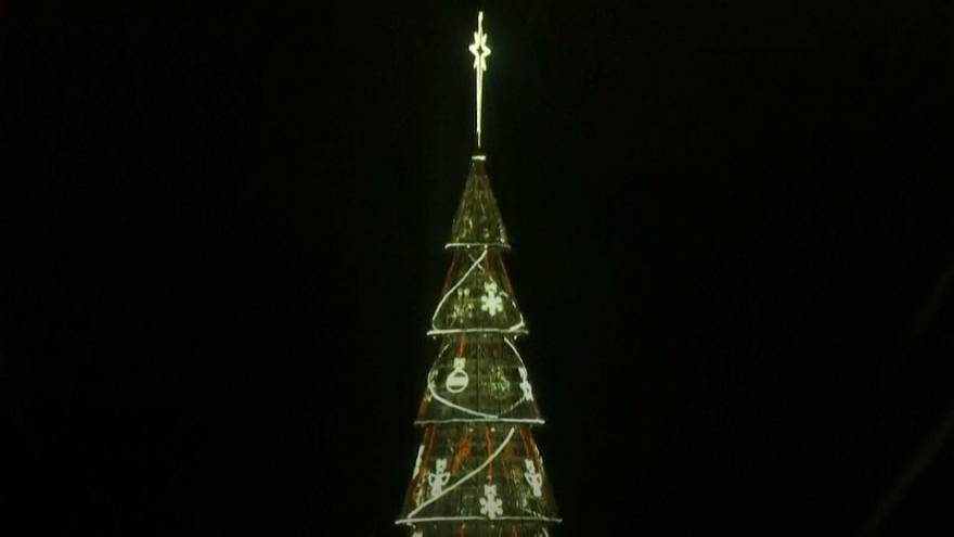 Floating Christmas tree lights up Rio de Janeiro's night sky