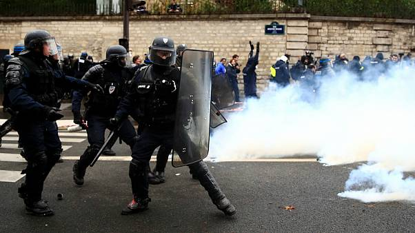 پلیس پاریس: اعتراضات جلیقه زردها بدترین نوع «شورش» در سالهای اخیر است