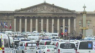 Las ambulancias también le plantan cara a Macron