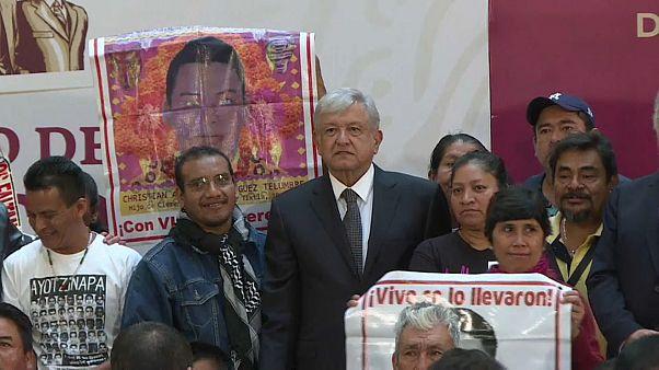 López Obrador reabre el caso de los 43 de Ayotzinapa