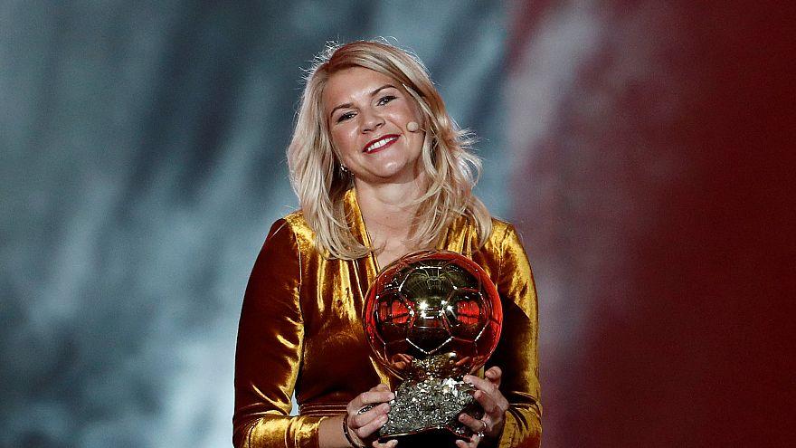 Kadın futbolcudan istenen 'twerk dansı' Altın Top sevincine gölge düşürdü