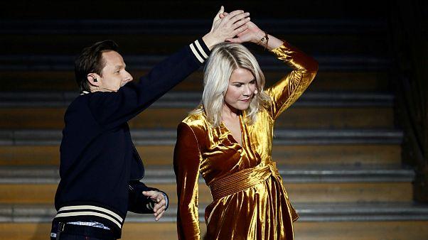 واکنشها به درخواست «نابجای» خواننده فرانسوی از اولین زن دریافت کننده توپ طلایی برای رقص