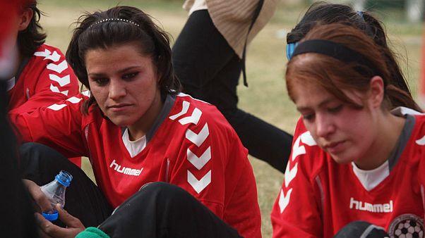اشرف غنی آزار جنسی دختران فوتبالیست افغان را «تکاندهنده» خواند