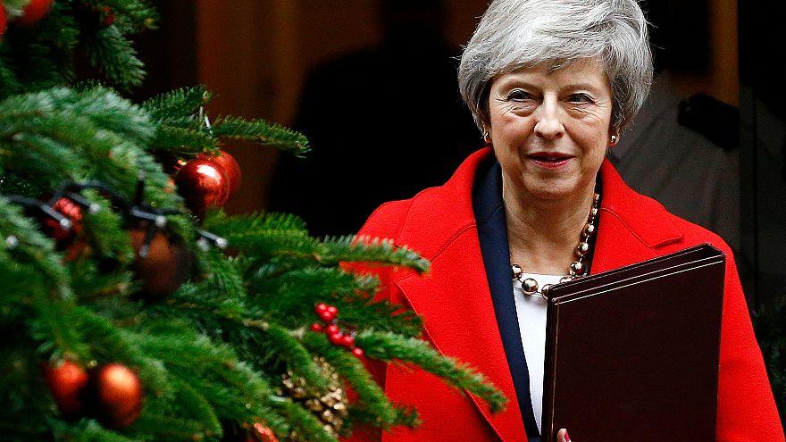 May İngiltere Parlamentosu'ndaki Brexit oylamasını erteleyecek mi?