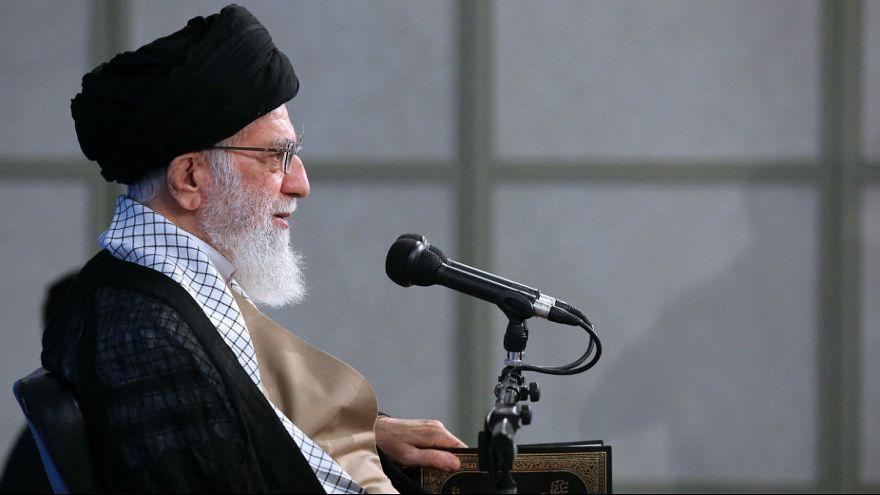 خامنهای: برخی مدیران بازنشسته میتوانند با اجازه من سر کار خود بمانند