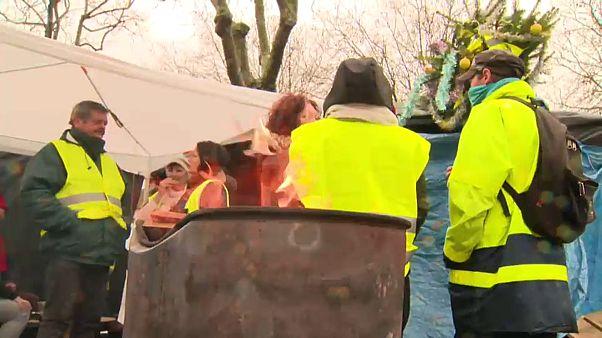 Gelbwesten-Protest führt zu Benzin-Knappheit
