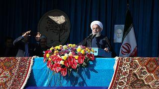 Hassan Rouani faz discurso em Shahroud, no Irão