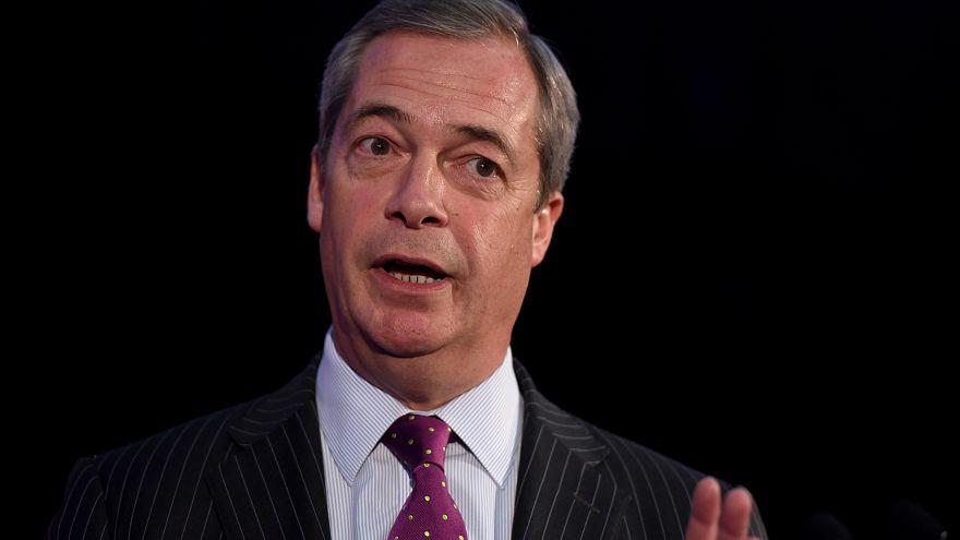 Brexit'in mimarı Farage İslam karşıtı çizgiye kaydığı gerekçesiyle partisinden istifa etti