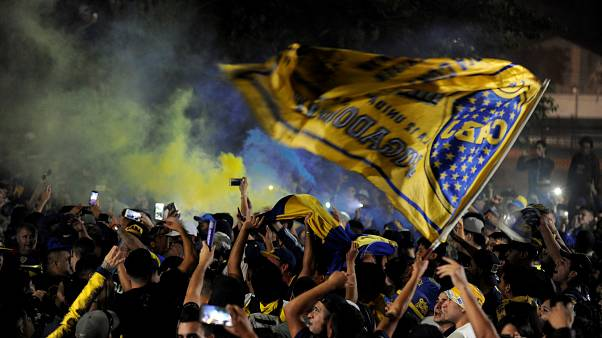[Video]: Fans give Boca Juniors team a raucous send-off