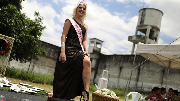 Verônica Verone vence concurso de beleza na cadeia de Talavera