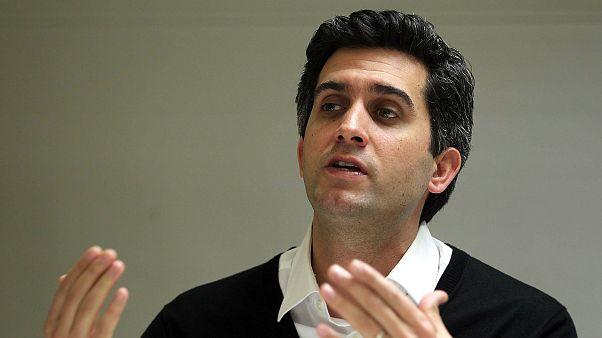 Oyuncu Memet Ali Alabora hakkında 'darbeye teşebbüs' suçlamasıyla tutuklama kararı