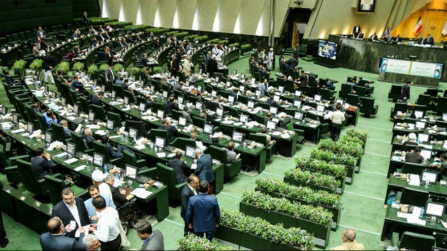 استعفای ۱۸ نماینده استان اصفهان در اعتراض به حذف بودجه آب
