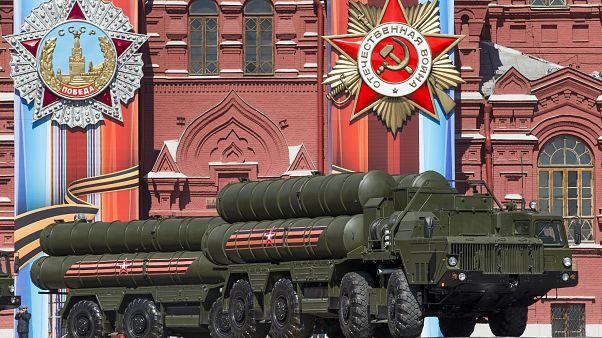 متحدية العقوبات.. روسيا تصبح ثاني دول العالم من حيث بيع الأسلحة