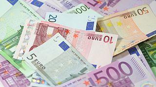 بين الطموح والواقع.. أي حال لعملة اليورو بعد 20 عاما على إطلاقها؟