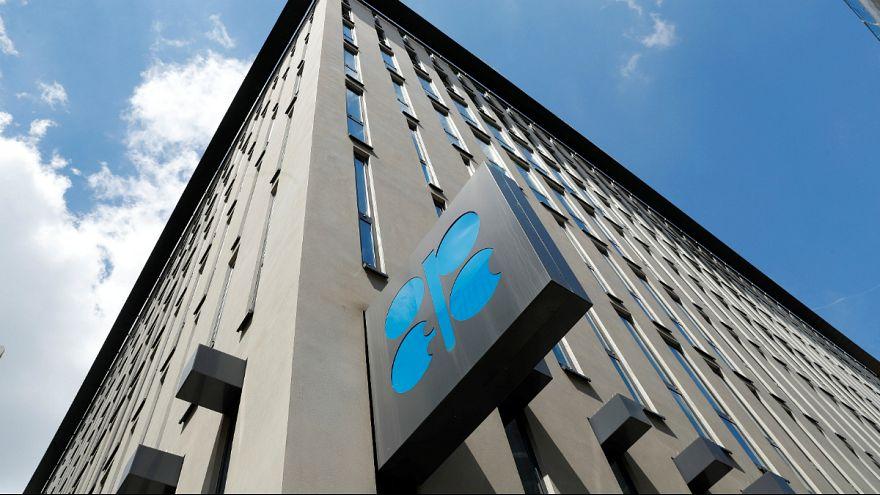 اوپک برغم مخالفت آمریکا تولید نفت خود را کاهش می دهد