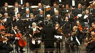 فرقة الأوركسترا السمفونية القومية العراقية تحارب الإرهاب بالموسيقى