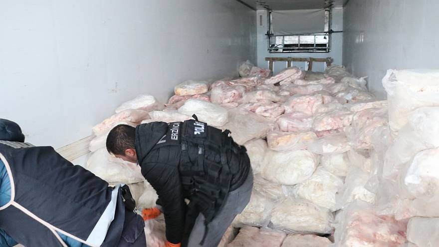 Erzincan'da arama yapılan TIR'dan kilolarca eroin çıktı