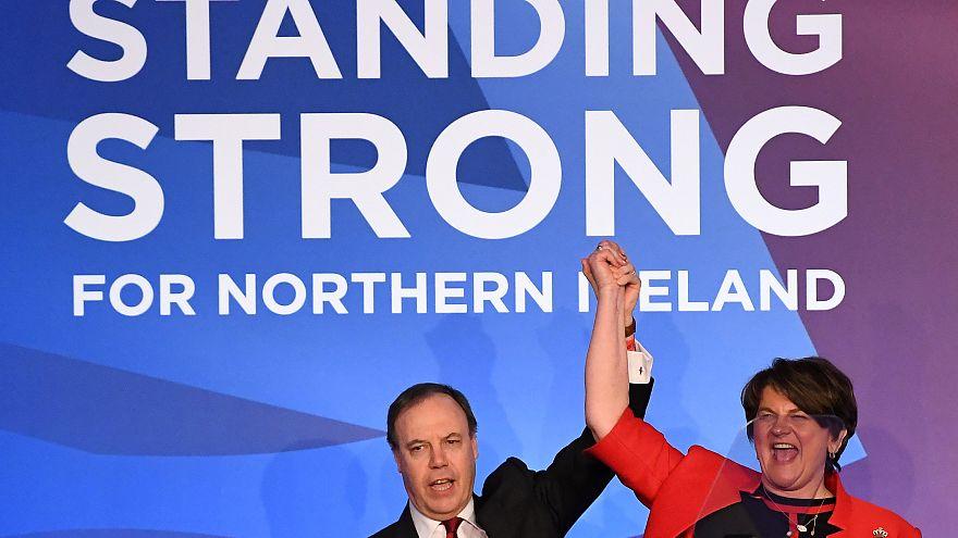 Kuzey İrlandalı partiden Theresa May'e Brexit desteği