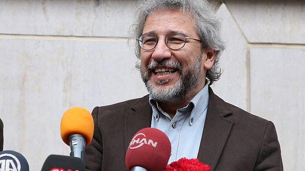 Can Dündar'dan yakalama kararına tepki: Gurur duyuyoruz