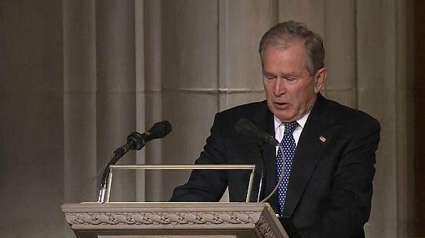 George Bush babasının cenazesinde konuşmasını zor tamamladı