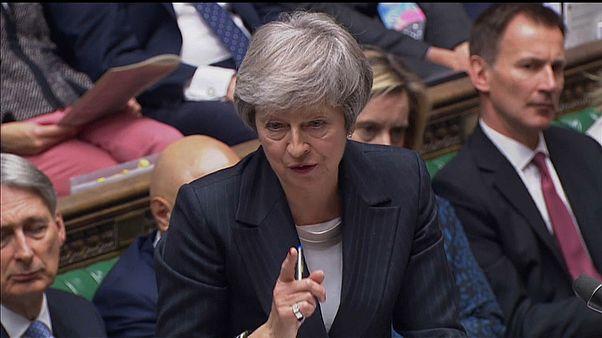 May, asediada en el Parlamento tras la publicación del informe del Brexit