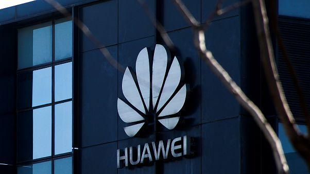 Huawei visé par les Etats-Unis, Pékin en colère