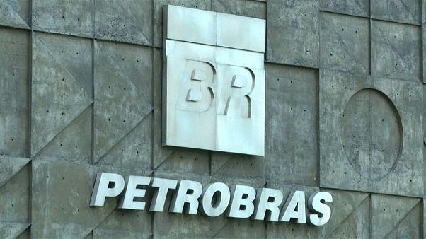 Funcionários da Petrobras detidos em operação Lava Jato