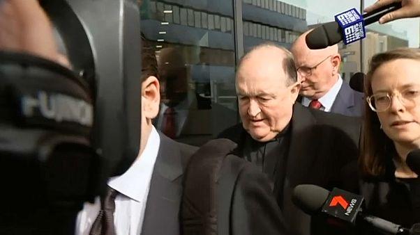 Assolto ex prelato Wilson da accuse di copertura di un prete pedofilo