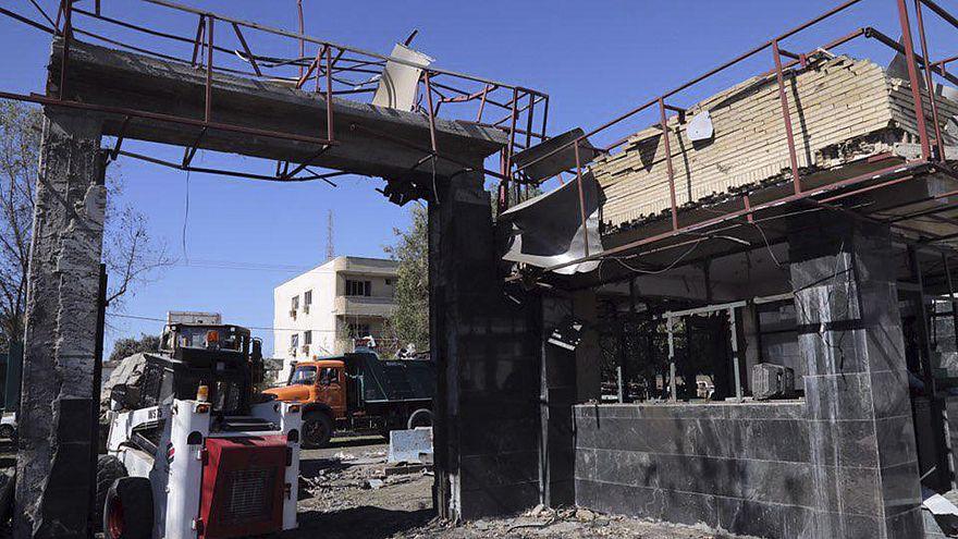 هجوم انتحاري يوقع ثلاثة قتلى على الأقل في جنوب إيران وإصابة العشرات بجروح