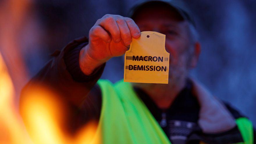 Gelbwesten tragen ihre Wut weiter auf die Straße