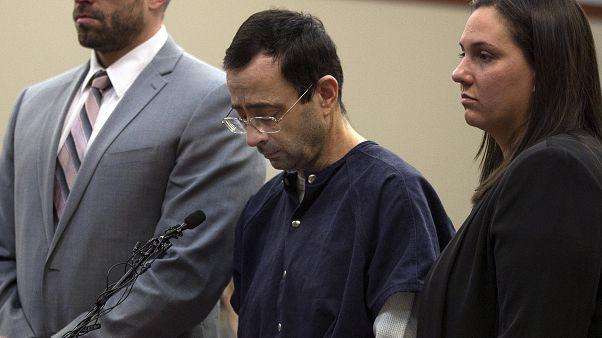 Médico Larry Nassar no julgamento