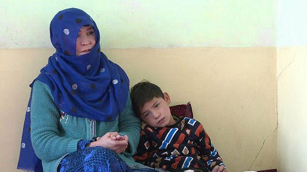 Talibã ameaçam matar criança afegã de 7 anos