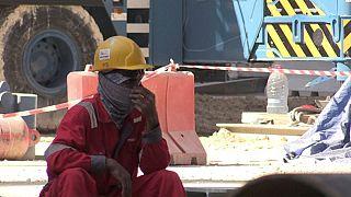 """قطر تُعدل قوانينها بعد """"فضائح العمال المهاجرين"""" في مشاريع كأس العالم"""