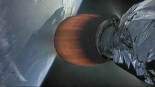 SpaceX ship sends holiday cheer to Space Station