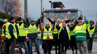 Fransa diken üstünde, istihbarattan uyarı: Cumartesi şiddet olayları artabilir