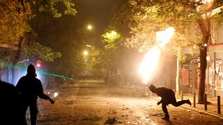 Μολότοφ και χημικά σε Αθήνα και Θεσσαλονίκη