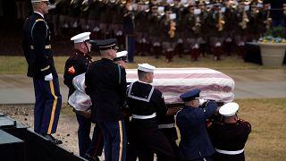 George Bush († 94) beigesetzt