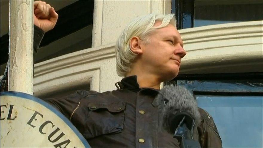 """""""Vía abierta para que Assange deje la embajada"""""""