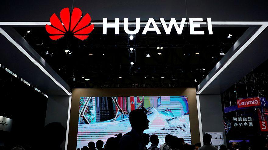 Japonya Çinli dev firmalar Huawei ve ZTE'ye yasak getiriyor