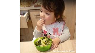 Külföldön is imádják a magyar kislányt, aki jobban szereti a brokkolit, mint a csokoládét