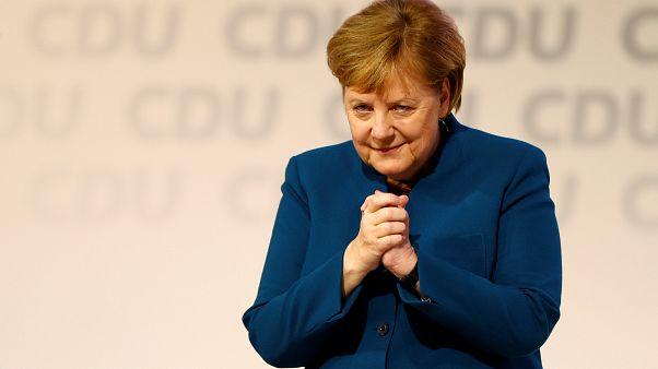 10 Minuten stehende Ovationen bei Merkels Abschied