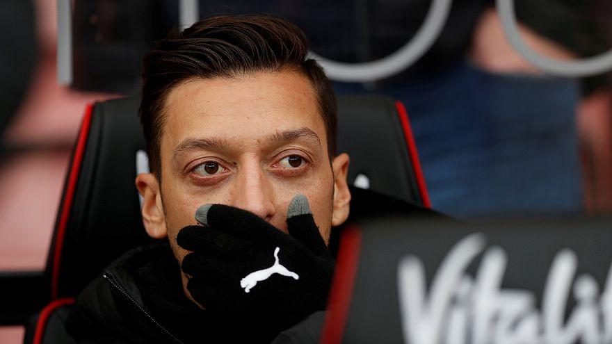 Mesut Özil ve Arsenalli futbolcular uyuşturucu içip 70 kadınla parti yaptı