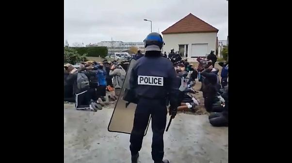 Miles de estudiantes protestan en Francia contra las reformas educativas de Macron